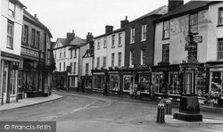 Kington, Upper Cross And High Street c.1956