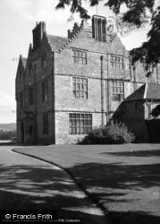Kinnersley, Kinnersley Castle 1948