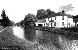 The Dundas Arms And Kennet And Avon Canal c.1965, Kintbury