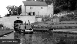 Kinver, Boat Entering Hyde Lock 1969