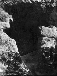 Kinver, Entrance To Nanny's Cave c.1950