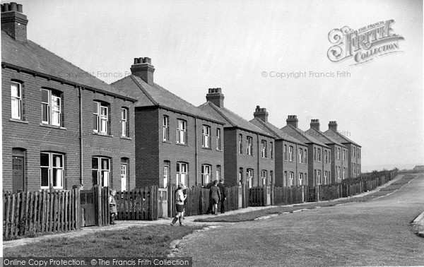 Photo of Kirkburton, the Crescent, Tunshaw c1950