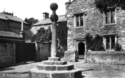 The Old Cross 1899, Kirkby Lonsdale