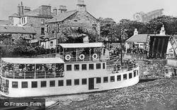 Kirkintilloch, Ss 'gypsy Queen', Townhead Bridge c.1910