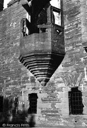 Earl's Palace, Window Corbelling 1954, Kirkwall