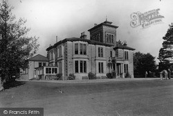 Dhalling Mhor From The Lawn c.1955, Kirn