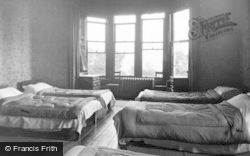 Kirn, Dhalling Mhor, One Of The Bedrooms c.1950
