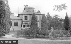 Kirn, Dhalling Mhor, Rose Garden And House c.1955