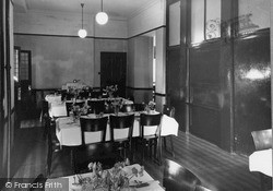 Dhalling Mhor, The Dining Room c.1950, Kirn