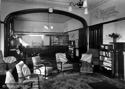 Kirn, Dhalling Mhor, The Lounge c.1950