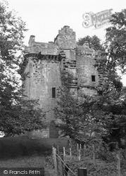 Kirriemuir, Inverquharity Castle 1950