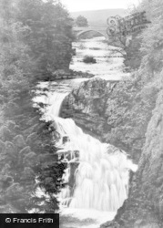 The Reekie Linn, Bridge Of Craigisla c.1939, Kirriemuir