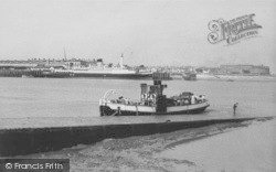 The Ferry 'lunevale' c.1960, Knott End-on-Sea