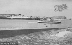 The 'lunevale' And I.O.M Steamer c.1960, Knott End-on-Sea