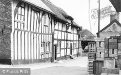 Knutsford, Old Market Place c.1960