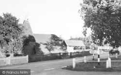 Lamberhurst, High Street c.1960