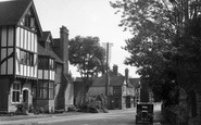Lamberhurst, Stair House and George & Dragon Hotel c1955