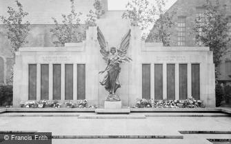 Lancaster, the War Memorial 1925