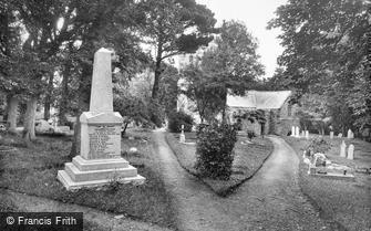Landewednack, Church and War Memorial 1927