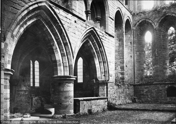 Photo of Lanercost Priory, Priory, North Side Of Choir 1924