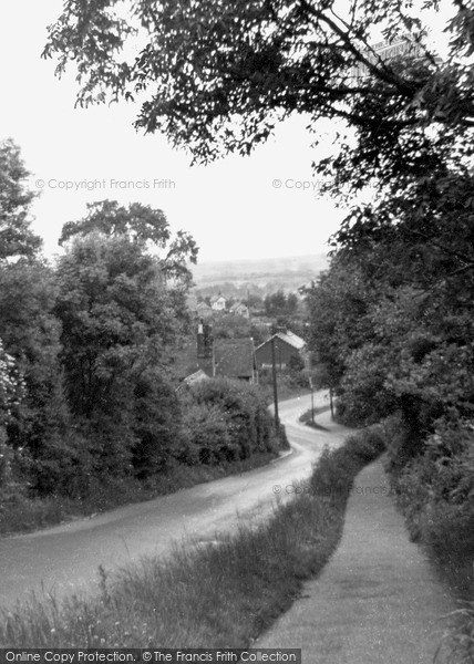 Photo of Langdon Hills, the High Road c1950