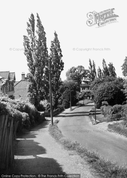 Photo of Langdon Hills, The High Road c.1950
