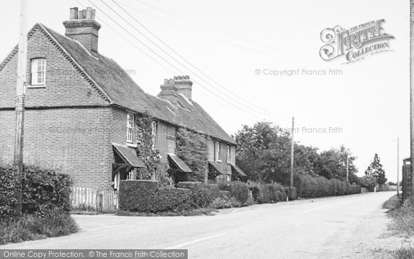 Photo of Langley, Manor Cottages c.1952