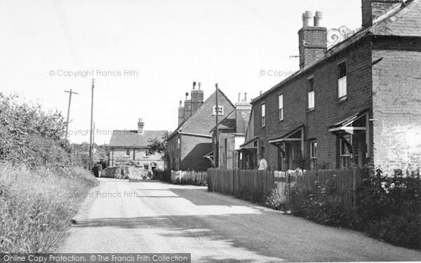Photo of Langley, Porters Corner c.1952