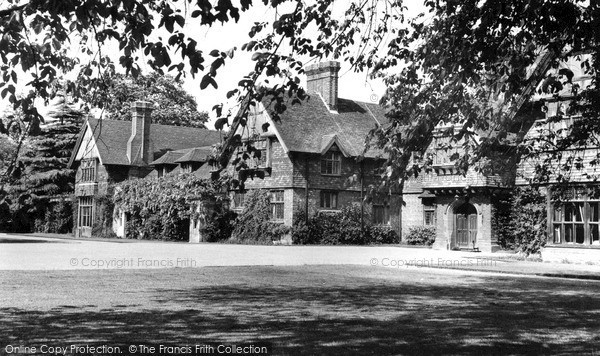 Photo of Langley, Rumwood Court c1952