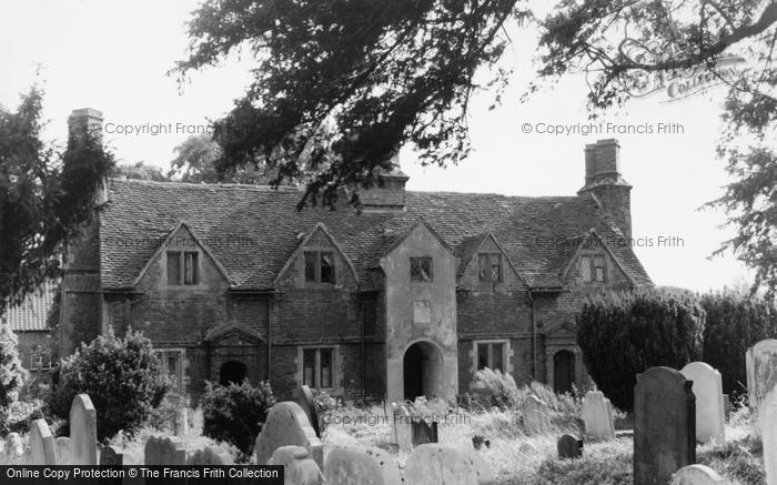 Photo of Langley, The Almshouses c.1955