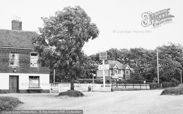 Photo of Langley, The Plough, Five Wents c.1952