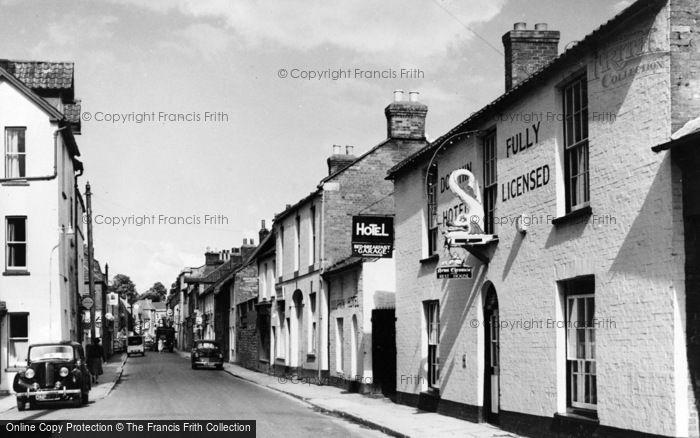 Photo of Langport, Bow Street c.1960