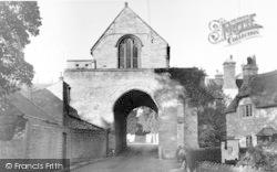 The Hanging Chapel c.1955, Langport