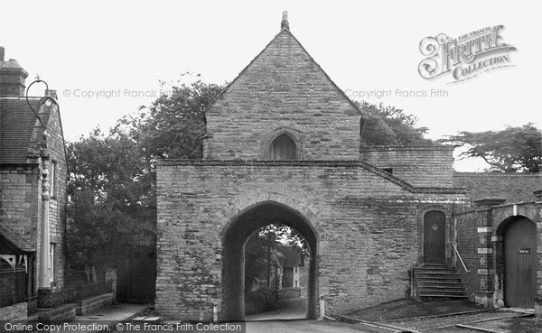 Photo of Langport, The Hanging Chapel c.1955