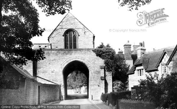 Photo of Langport, The Hanging Chapel c.1960