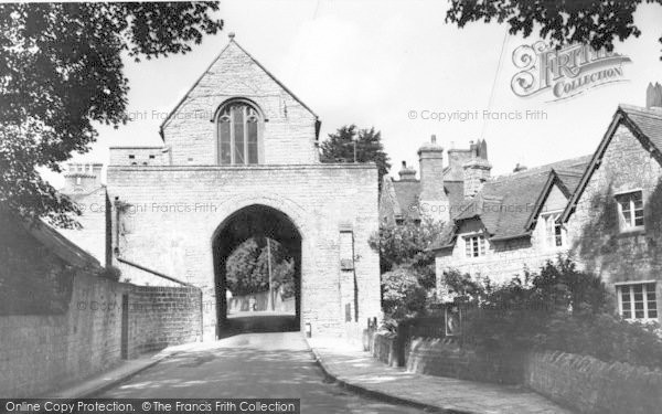 Photo of Langport, The Hanging Chapel c.1960