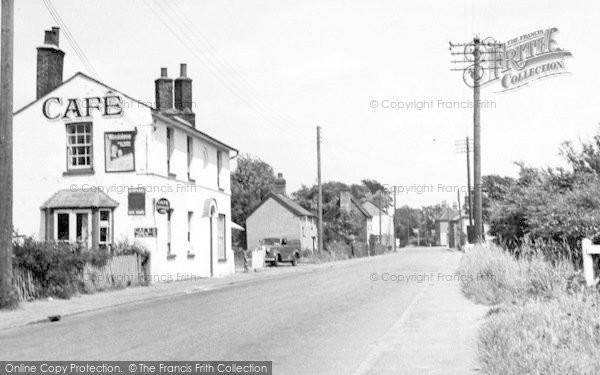 Photo of Latchingdon, The High Street c.1960