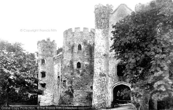 Photo of Laugharne, Castle Ruins  c.1931