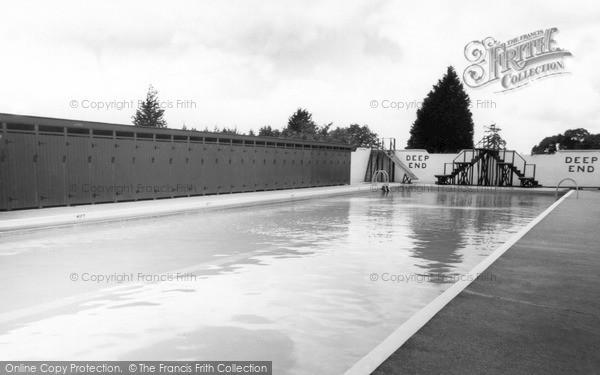 Photo of Launceston, Coronation Swimming Pool c.1960