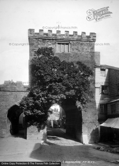 Photo of Launceston, Southgate Arch 1899