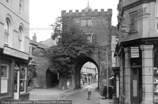 Photo of Launceston, Southgate Arch c.1955