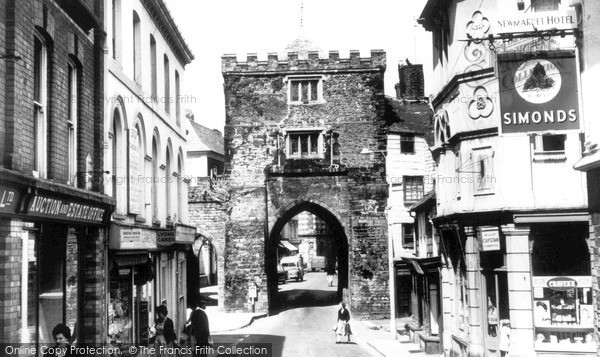 Photo of Launceston, The Arch c.1960