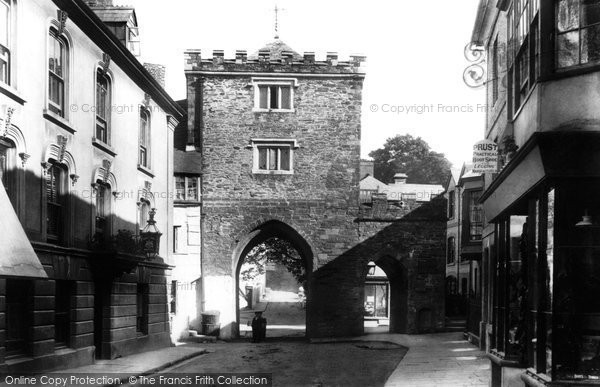 Photo of Launceston, The Gate And King's Arms Inn 1899