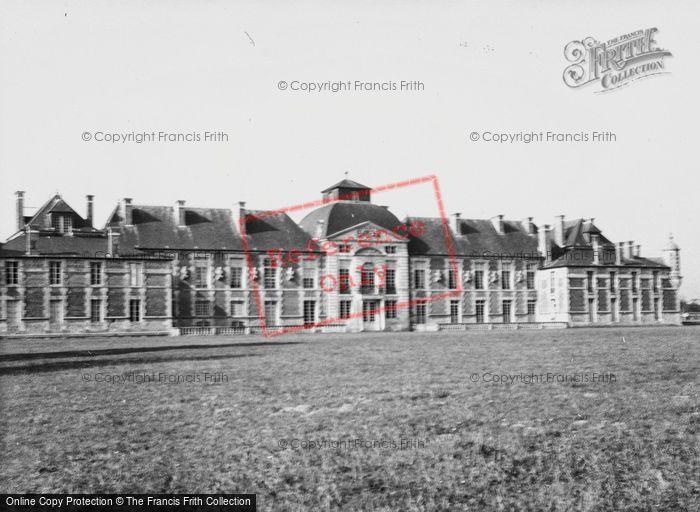 Photo of Le Neubourg, Château Du Champ De Bataille 1964