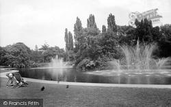 Leamington Spa, Jephson Gardens, The Fountains 1922