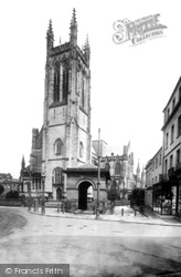 Leamington Spa, The Parish Church And Old Well 1922