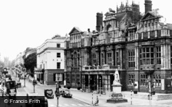 Leamington Spa, Town Hall And Parade c.1955