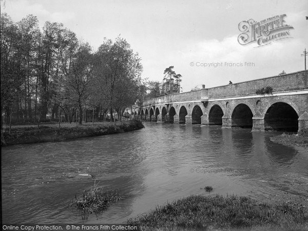 Photo of Leatherhead, Bridge 1925
