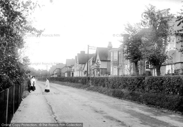 Photo of Leatherhead, Highlands Road 1909