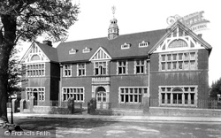 Leatherhead, Institute 1895